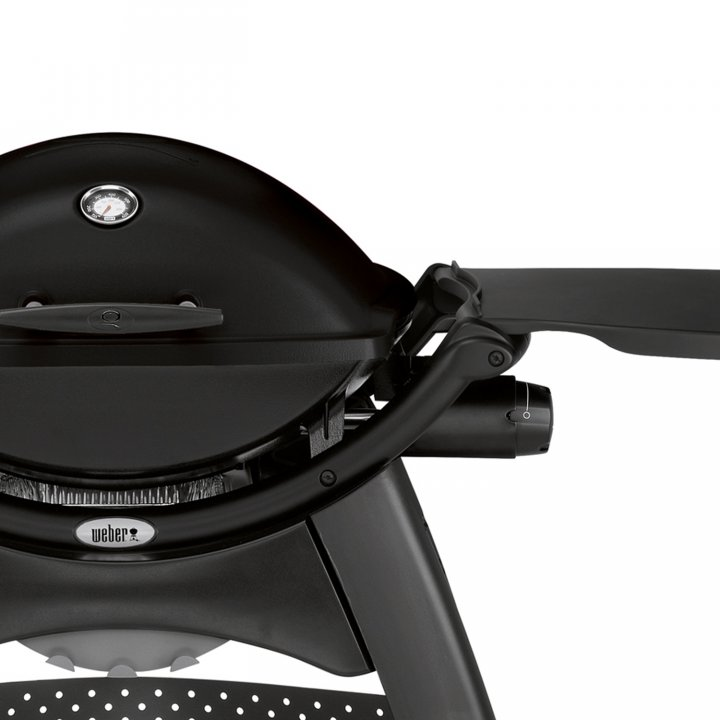 Weber Q 2200 Station, Blackline + gratis Burger-Set 2