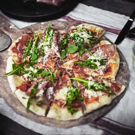 Klassische italienische Pizza