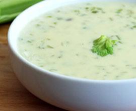Sellerie Rahmsuppe im Grill geräuchert